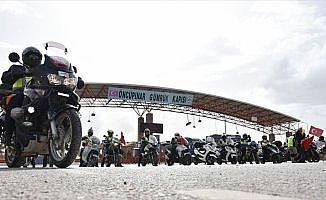 Motosiklet tutkunlarından Zeytin Dalı Harekatı'na destek