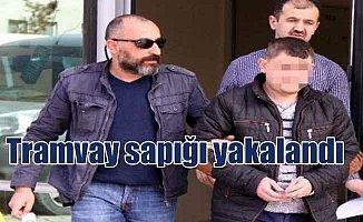 Samsun'da tramvay sapığı yakalandı: Gizlice fotoğraf çekmiş