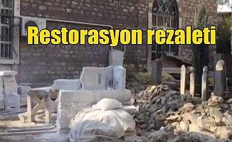 Üsküdar'da tarihi camide kıra kıra restorasyon