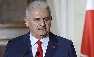 Başbakan Yıldırım: Turgut Özal kendimize güvenmemizi sağlayan bir öncü şahsiyetti