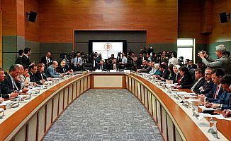 Erken seçim teklifi Anayasa Komisyonunda kabul edildi