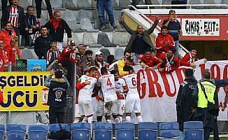 'Antalyaspor ligde kalmayı büyük oranda garantiledi'