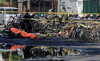 Endonezya'da 3 kiliseye bombalı saldırı: 9 öldü, 40 yaralı