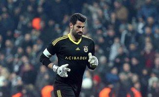 Fenerbahçeli futbolcular taraftara sitem etti