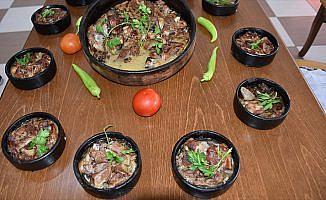 Güzergah değiştirten lezzet: Oğlak güveci günde 5 bin porsiyon tüketiliyor