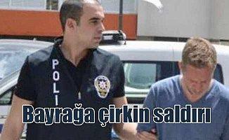 KKTC'de Türk bayrağına çirkin saldırı: 2 kişi tutuklandı