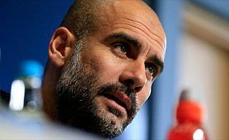 Manchester City Guardiola'nın sözleşmesini uzattı