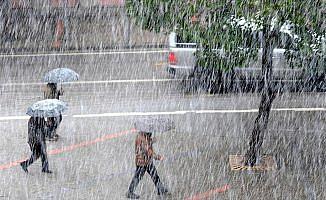 Meteorolojiden 17 il için kuvvetli gök gürültülü sağanak uyarısı
