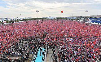 AK Parti'nin Büyük İstanbul Mitingi'ne 1 milyon 300 bin kişi katıldı
