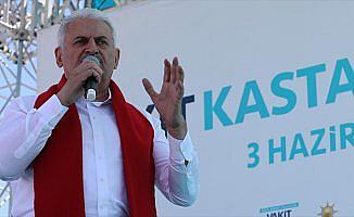 Başbakan Yıldırım: FETÖ'nün en sevmediği kuruluşu kapatmayı vadediyorlar