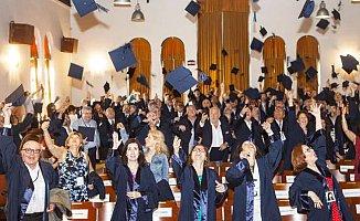 Boğaziçi Üniversitesi '78 mezunları, 40 yıl sonra yine kep attı