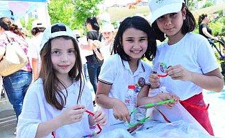 Çocuklar çevre şenliğinde doyasıya eğlendi