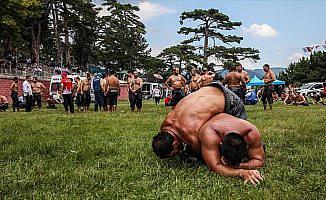 Domaniç güreşlerinin başpehlivanı Ali Gökçen oldu