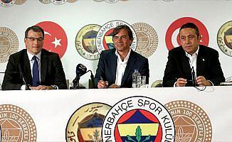 Fenerbahçe, Cocu için imza töreni düzenledi
