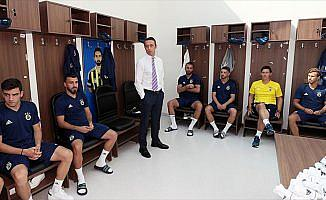 Fenerbahçe yönetiminden futbol takımına ziyaret