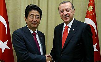 Japonya Başbakanı Abe'den Erdoğan'a tebrik