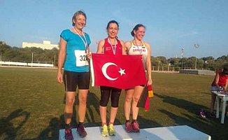 Milli sporcumuz Gülçin, Malta'dan 5 madalya ile dönüyor