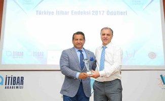 Erkek Giyim Kategorisinde Türkiye'nin en itibarlı markası Kiğılı