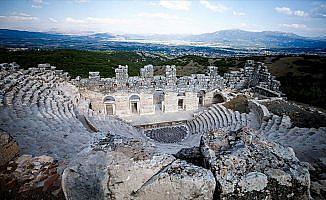 Mitolojideki 'nazar boncuğu' Medusa ziyaretçilerini bekliyor