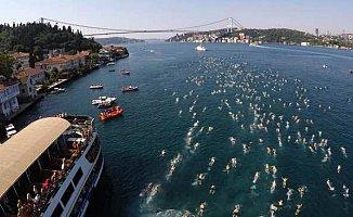 Samsung Boğaziçi Kıtalararası Yüzme Yarışı'na 2 bin 400 yüzücü katılıyor