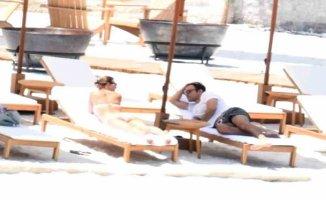 Tuba Ünsal yeni aşkıyla tatilde