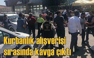 Kurban satış alanında kavgayı polis güçlükle ayırdı