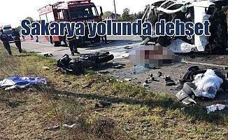 Sakarya'da motosikletli grubun arasına minibüs girdi; 8 ölü