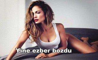 Jennifer Lopez'den cüretkar poz