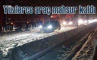 Konya Antalya yolunda kar ulaşımı vurdu, yüzlerce araç mahsur kaldı