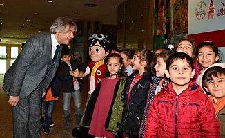Beyoğlu'nda bin öğrenci Hezarfen'de buluştu