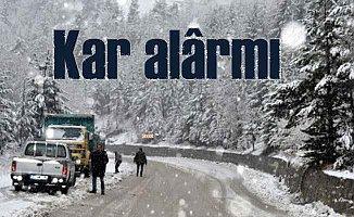 İstanbul'da kar alarmı; AKOM ekipleri yollara düştü