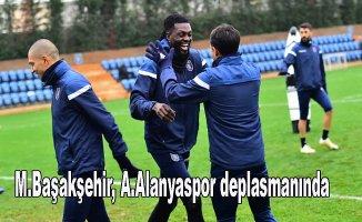 Lider Başakşehir Alanyaspor ile oynuyor