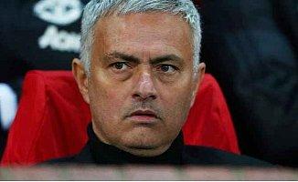 Manchester United, Mourinho'yu kovdu