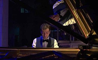 Piyanist Emre Yavuz'dan Bir İlk: Fabrikada Piyano Resitali