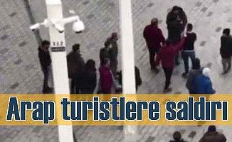 Arap turistlere otobüs sürücüsü saldırdı