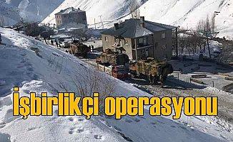 Kar altında terör operasyonu; 12 gözaltı var