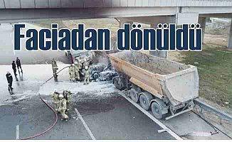 Otoyolda faciadan dönüldü; Gaz tankeri ile hafriyat kamyonu çarpıştı