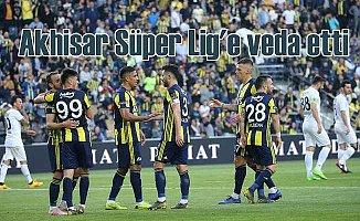 Fenerbahçe, Akhisarspor'u 2 golle ligten düşürdü