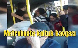 Metrobüste koltuk kavgası | Küfürler, yumruklar havada uçuştu