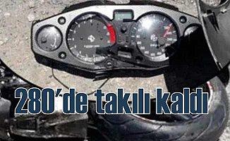 Saatte 280 KM hızla ölüme gitti
