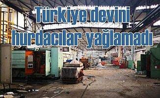Hurdacılar, Türkiye'nin en büyük traktör fabrikasını yağmaladı
