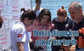 Karaköy'de denize düşen genç kızı asker ve Suriyeli kurtardı