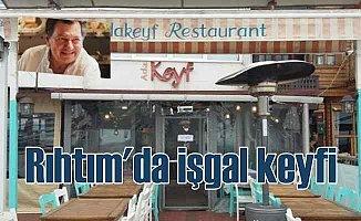 Vedat Milör'ü denize iten restorana tepkiler yağıyor
