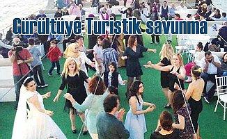 Boğaz'da gürültüye 'Turistli' savunma