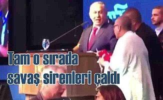 İsrail'de Başbakan konuşurken sirenler çaldı