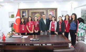Seydişehirli halterci kızlar, Konya şampiyonu oldu
