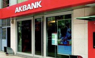 Akbank, deprem bölgesindeki vatandaşların borçlarını erteledi