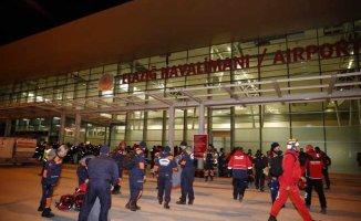 İBB, Elazığ'da 158 personelle yardıma koştu