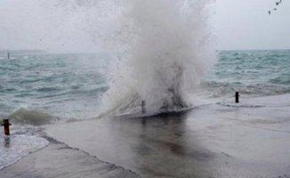İstanbul'da kritik fırtına için Valilik'ten uyarı