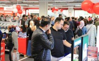 MediaMarkt depoları boşaltıyor, yüzde 50 indirim vaadi
